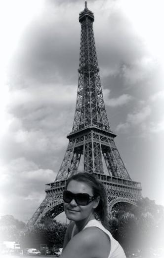 Eiffel tower viewed from the Seine