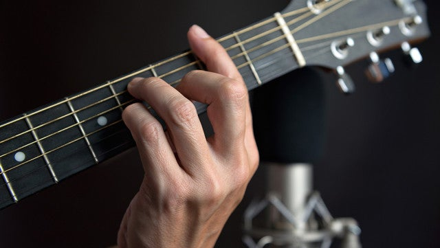 Uberchord: Personal Guitar Teacher in Your Pocket