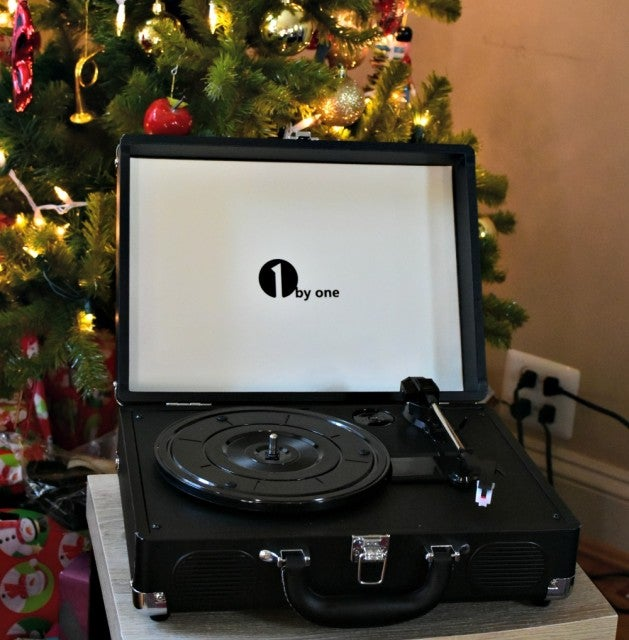1by one portable turntable details