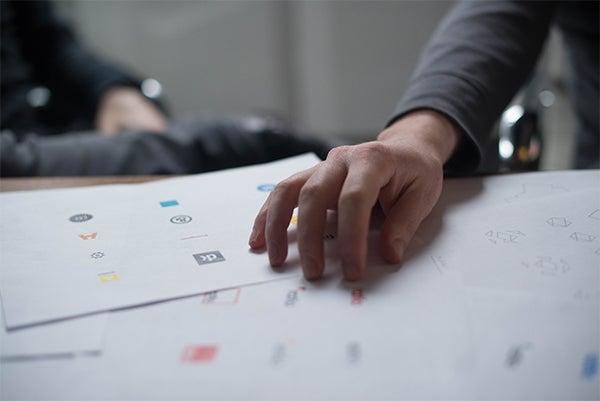 logo-design-screen