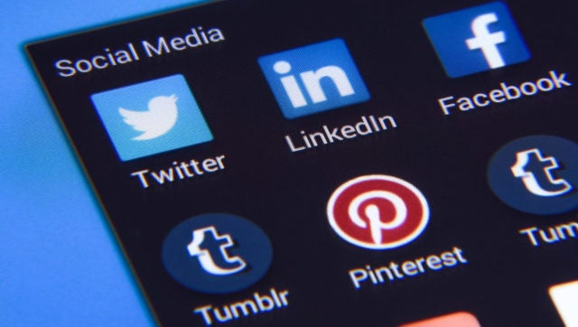 7 Social Media Marketing Tools Recommended By the Experts