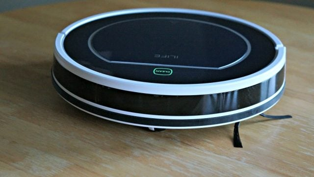 The iLife V7 Robot Vacuum Cleaner Is Like The Best Drunk Roommate Ever [Review]