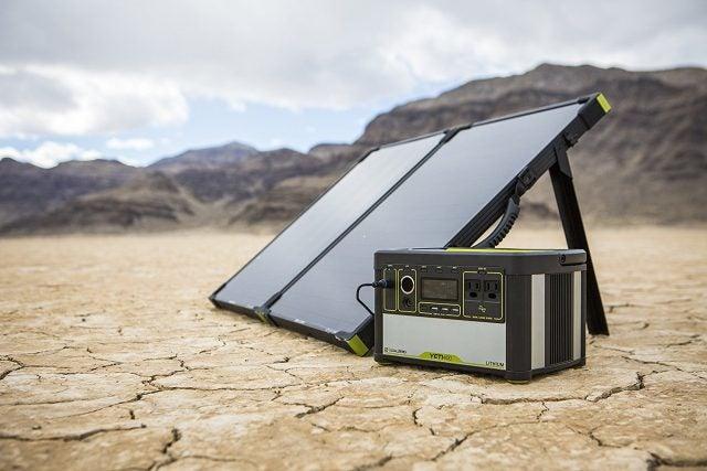 Goal Zero Boulder 100 Briefcase Solar Panel