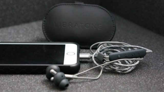 Libratone Q Adapt In Ear Earphones for Apple Devices
