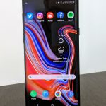 samsung galaxy note 9 review standing up home screen