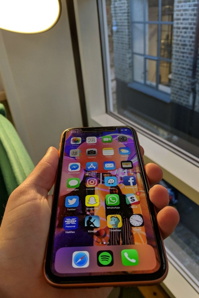 iphone xr review in hand