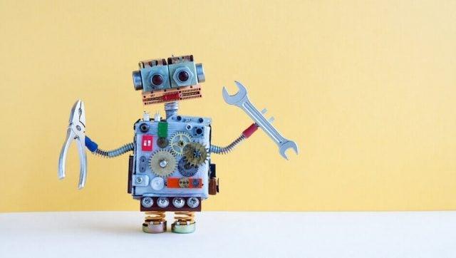 4 Jobs That We Shouldn't Trust to Robots - Tech.co