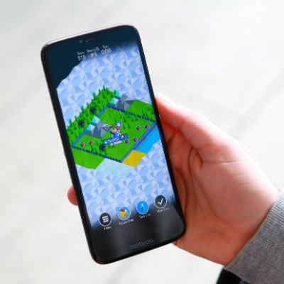 Motorola Moto g7 power in hand small