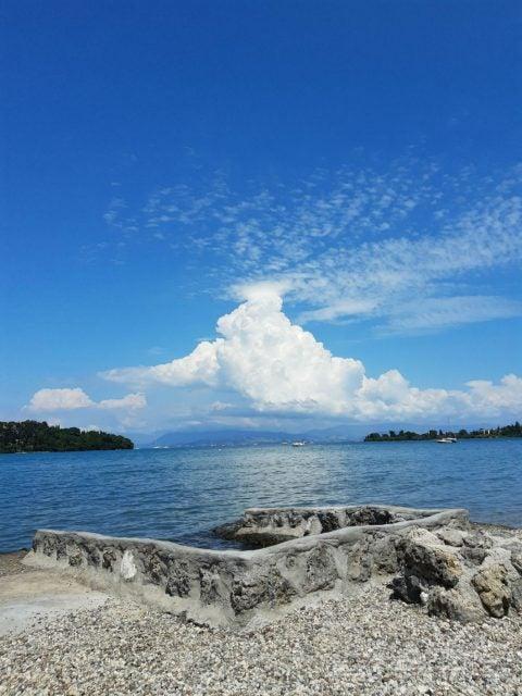 motorola one vision beach photo clouds