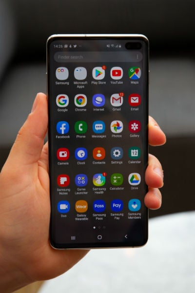 samsung galaxy s10 plus screen