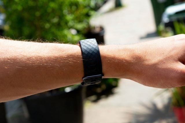 fitbit charge 3 side on wrist