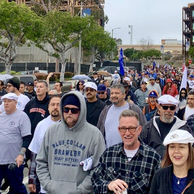 ilwu members marching against LA port automation