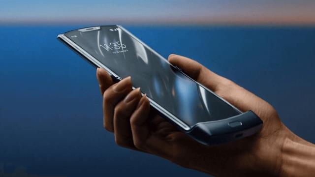 Motorola Unveils New Folding Razr Phone