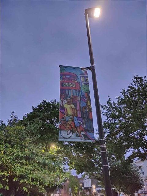 lamppost banner night mode