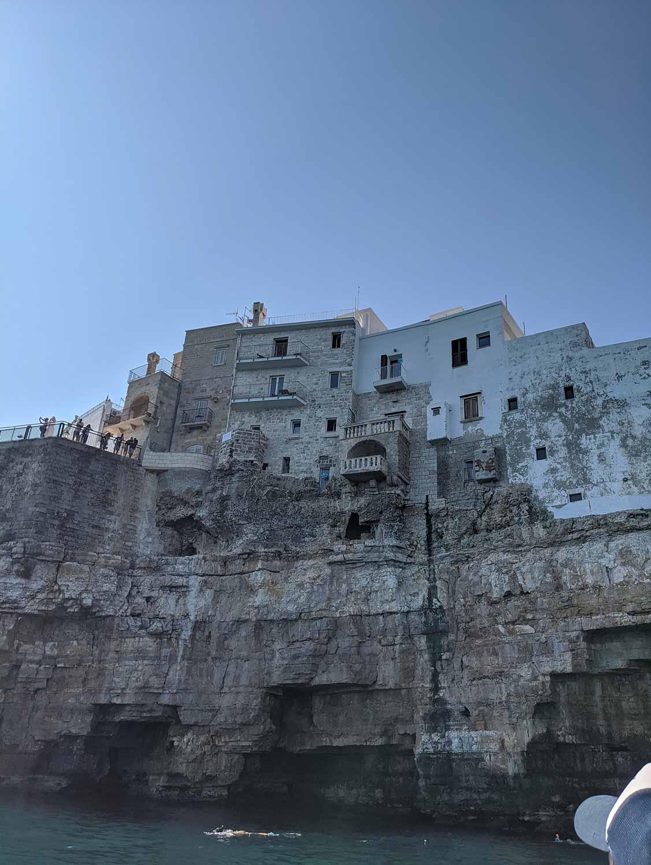 polignano e mare cliff houses