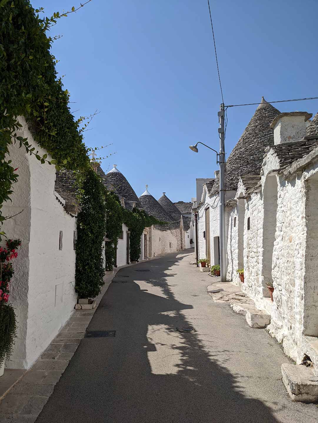 trullo houses in italy