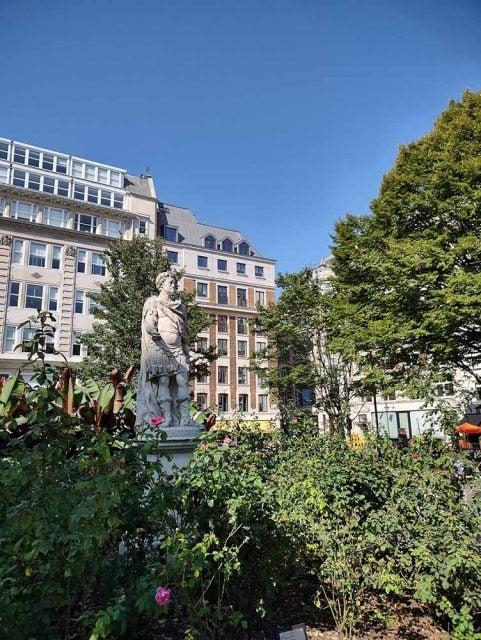 soho square statue