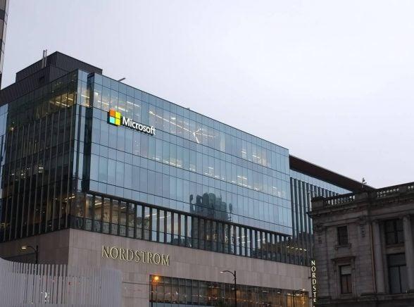 Microsoft indefinitely postpones return to U.S. offices as